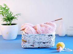 Panier tressé avec un catalogue Ikea recyclé - Les Gambettes Sauvages