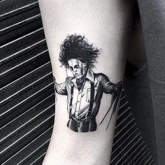 Awesome Edward ✂hands tattoo by @oozy_tattoo A W E S O M E! | Scissorhands✂️ . #lacenano .