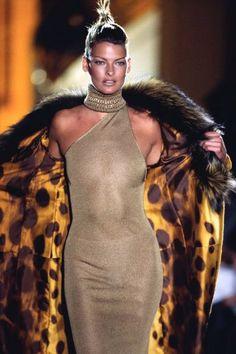 supermodelshrine:    Linda for Versace