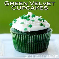 Green Velvet Cupcakes - use Wilton shamrock edible sprinkles #zorattoent #stpatricksdaytreats