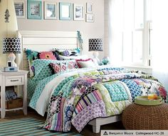 teen-bedroom-girls-idea-space-saver-design-decor-green-yellow-sea-color-colorful-flowery-quilt-bedding-wall-frame-hanging-ivory-headboard-side-table-design-rattan-pouf-pretty-inspiration.jpg (609×497)