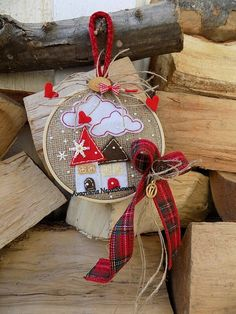 Best Wine Cork Ideas For Home Decorations 83083 Christmas Makes, Felt Christmas, Christmas Wreaths, Christmas Christmas, Handmade Christmas Decorations, Christmas Crafts For Gifts, Homemade Christmas, Christmas Projects, Embroidery Hoop Crafts
