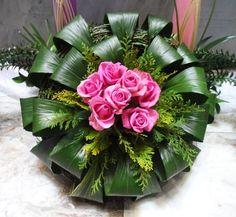 Resultado de imagen de 플라워경진대회 Tropical Flower Arrangements, Church Flower Arrangements, Rose Arrangements, Altar Flowers, Church Flowers, Funeral Flowers, Deco Floral, Arte Floral, Exotic Flowers