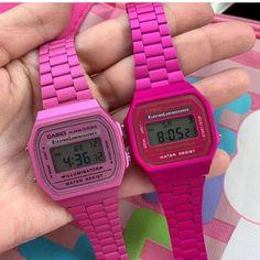 Nenhuma descrição de foto disponível. Casio Vintage Watch, Casio Watch, Vintage Watches, Casio Gold, Pink Watch, All Things Cute, Barbie World, Pink Love, Pink Aesthetic