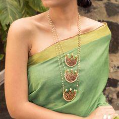 Designer Jewelry Long Necklace 3 Layered Motif Designs With Kemp Stones – Jumkey Fashion Jewellery Tiffany Jewelry, Simple Jewelry, Fine Jewelry, Stylish Jewelry, Gold Jewelry, Bridal Jewelry, Gold Bangles, Glass Jewelry, Statement Jewelry