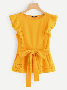 To find out about the Ruffle Detail Laser Cut Belted Peplum Top at SHEIN, part of our latest Blouses ready to shop online today! Dresses Kids Girl, Kids Outfits, Cute Outfits, Blouse Styles, Blouse Designs, Fashion News, Kids Fashion, Plain Tops, Frock Design