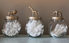 Easy, affordable and fun DIY toy animal jar tutorial! Easy and fun DIY toy animal storage jar tutorial. Raid your kid's toy box or your favorite dollar store and get your craft on! Home Crafts, Diy Home Decor, Diy Crafts, Recycled Crafts, Decor Crafts, Kids Toy Boxes, Bathroom Kids, Bathroom Storage, Safari Bathroom