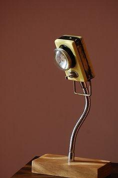 Lampe DANS LA POCHE 04. (Ancienne lanterne à pile électrifiée) : Luminaires par oplo-design