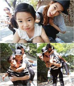 Tablo with his wife, Kang Hye Jung, and daughter, Haru. Superman Kids, Kang Hye Jung, Lee Haru, Korean Celebrities, Celebs, Song Triplets, Korean Shows, Korean Babies, Musica