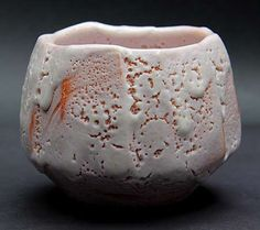 Kato Kiyoyuki shino - pink and white glaze cup Ceramic Pinch Pots, Ceramic Bowls, Ceramic Art, Stoneware, Slab Pottery, Pottery Vase, Ceramic Pottery, Japanese Ceramics, Japanese Pottery