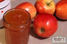 """Bee-free honey that you can make with only apples, lemon, sugar and water! This vegan """"honey"""" recipe is simple and easy to make. No fancy equipment required."""