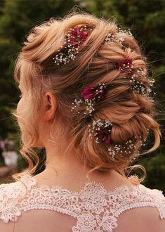 Gorgeous Bridal Updos You Must Wear for Cute Look in 2019 Quince Hairstyles, Cute Hairstyles Updos, Cute Hairstyles For Medium Hair, Short Hair Updo, Medium Hair Styles, Wedding Hairstyles, Short Hair Styles, Bun Styles, Updo Hairstyle