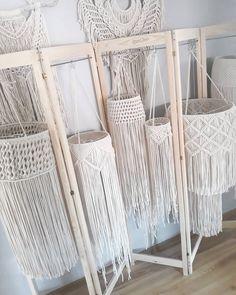 Macrame Design, Macrame Art, Macrame Projects, Macrame Knots, Boho Living Room, Living Room Decor, Macrame Curtain, Diy Chandelier, Booth Design