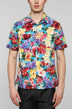 Love this shirt by Monitaly of California. $160 is perfect for such an awesome print.  Monitaly 80's Flower Vacation Button-Down Shirt