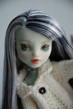 Monster High Repaint | Flickr - Photo Sharing!