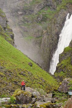 Wycieczka do wodospadu Voringfossen w Norwegii. Punkty widokowe górne oraz szlak prowadzący pod wodospad. Relacja z wycieczki i zdjęcia. River, Outdoor, Outdoors, Outdoor Games, The Great Outdoors, Rivers