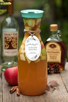 Autumn Sangria: Apple Cider and Pinot Grigio - Thanksgiving Cocktails, Cocktail Drinks, Alcoholic Drinks, Beverages, Fall Drinks Alcohol, Masala Chai, Holiday Drinks, Party Drinks, Wine Parties