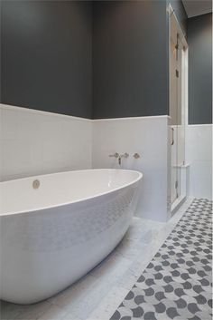 Contemporary (Modern, Retro) Bathroom by Tineke Triggs