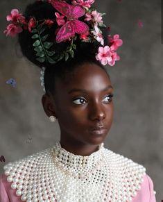 Girl, bullied for dark skin creates 'flexin' in my complexion' shirt Black Girl Magic, Black Girls, Black Babies, Make Up Glow, Arte Tribal, Black Girl Aesthetic, Brown Skin Girls, Flower Hair Accessories, My Black Is Beautiful