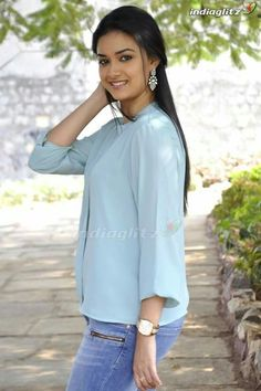 Lovely Girl Image, Beautiful Girl Photo, Beautiful Girl Indian, Most Beautiful Indian Actress, Bollywood Actress Hot Photos, Tamil Actress Photos, Beautiful Bollywood Actress, Beautiful Actresses, Stylish Girl Images