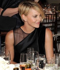 Charlize Theron the 5 best hairstyles - Page 3