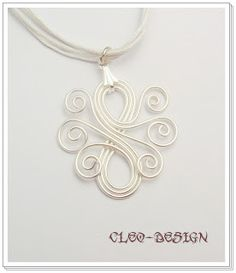 Free wire tutorial: How to make your own openwork wire pendant   DIY ...