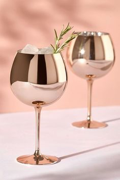 Buy Set of 2 Metallic Rose Gold Effect Gin Glasses from the Next UK online shop Gin Glasses, Rose Gold Wine Glasses, Rose Gold Kitchen, Kitchenware, Tableware, Deco Design, Kitchen Items, Kitchen Accessories, Bar Accessories
