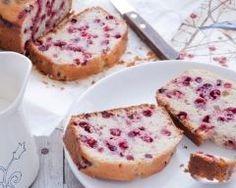 Cake aux groseilles et à la poudre d'amande http://www.cuisineaz.com/recettes/cake-aux-groseilles-et-a-la-poudre-d-amande-49612.aspx