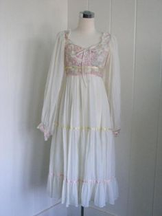 1970's Gunne Sax Jessic prairie Bohemian by FrenchNavyVintage, $85.00 I had this dress a long, long time ago.