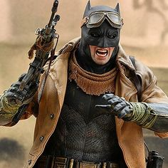 That Hot Toys Knightmare Batman 1/6th Scale Hot Toys Pre-order is live. http://side.sh/by An expensive day!  #sideshow #hottoys #batman #batmanvssuperman #bvs #knightmare #hottoyscollectors #FLYGUY #FLYGUYtoys #googleplus