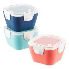 With the look and feel of a ceramic cafe bowl, our lunch carrier makes dining at your desk a little more elegant. Its durable design includes a lid with leak-resistant rubber seal, discreet locking clips and a micro vent that releases air during microwaving. It's also slim and versatile, the uniquely stylish way to pack soups, salads, pasta or leftovers for easy transport.