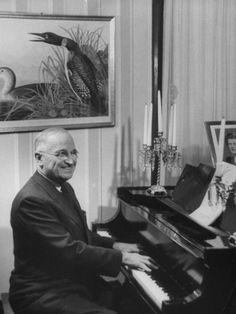 harry s truman playing piano
