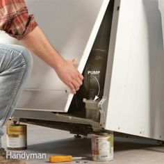 Save a bundle on appliance repair bills. We show you how to unclog your washing machine so it drains and replace the pump if you need to. Gonna be able to show up my handy man husband with this one day lol Smelly Washing Machines, Washing Machine Drain Hose, Maytag Washing Machine, Dryer Lint Cleaning, Cleaning Hacks, Cleaning Solutions, General Electric, Kenmore Washer, Home Improvement Loans