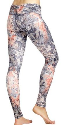 Body Language Scrunchy Yoga Pants in Lace