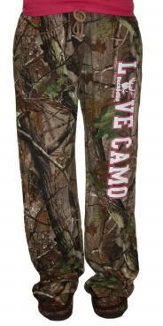 Realtree LOVE CAMO lounge Pants> I think I need these to fit in better around here. Country Girl Style, Country Girls, Country Life, Country Fashion, Country Charm, Country Music, Looks Style, Style Me, Hunting Clothes