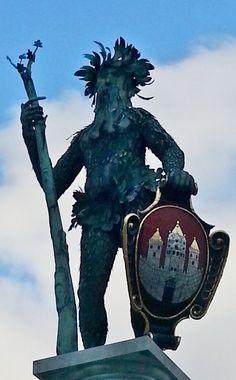 Salzburg - Wilder Mann Brunnen vor dem Festspielhaus - Green Man Fountain