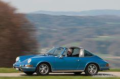 Porsche 912 Targa (1968) - die blaue Farbe steht dem 912-er sehr gut  Viele weitere Bilder zum Porsche 911: https://www.zwischengas.com/de/bildermagie/911?utm_content=buffera71cf&utm_medium=social&utm_source=pinterest.com&utm_campaign=buffer  Foto © Balz Schreier