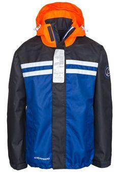 Pram jakke gutt fra Stormberg. Om denne nettbutikken: http://nettbutikknytt.no/stormberg-no/