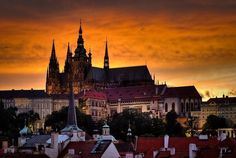 Top 10 Must-See Attractions & Places in Prague published in TopTeny magazine Travel - Do you like travelling and discovering new places? What do you think of going to Prague? Prague is the capital. Europe Centrale, Prague Castle, Skydiving, Capital City, Czech Republic, Barcelona Cathedral, Paris Skyline, Attraction, Architecture