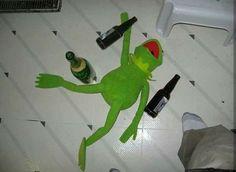 """kermit memes - A Thread"" Cute Memes, Dankest Memes, Funny Memes, Sapo Kermit, Les Muppets, Sapo Meme, I Want A Hug, Frog Meme, Current Mood Meme"