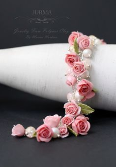 :: Crafty :: Clay :: Floral Bracelet by Marina Burkina Polymer Clay Flowers, Polymer Clay Charms, Polymer Clay Creations, Polymer Clay Art, Polymer Clay Jewelry, Beads And Wire, Flower Crafts, Clay Crafts, Fabric Flowers