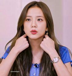 Kpop Girl Groups, Korean Girl Groups, Kpop Girls, Blackpink Jisoo, Kim Jennie, My Girl, Cool Girl, Blackpink Members, Lisa Blackpink Wallpaper