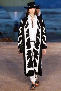 Guarda la sfilata di moda Christian Dior a Los Angeles e scopri la collezione di abiti e accessori per la stagione Pre-collezioni Primavera Estate 2018.