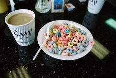 vintage, cereal, and food image Breakfast Pictures, Froot Loops, Connie Springer, Recipe Of The Day, Bon Appetit, Cravings, Cereal, Food Porn, Good Food