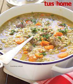 Dié voedsame sop is propvol geur. Genoeg vir: 8 Bereidingstyd: 30 minute Gaarmaaktyd: 2 uur 600 g. Mexican Food Recipes, Vegetarian Recipes, Cooking Recipes, Healthy Recipes, Savoury Recipes, Dessert Recipes, Cooking Ideas, Desserts, Vegetable Soup Recipes