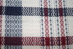 Cercle de Fermières St-Lambert-de-Lauzon: tissage :patron linge à vaisselle technique sergé Weaving Designs, Weaving Projects, Weaving Patterns, Card Weaving, Weaving Techniques, Artisanal, Dish Towels, Handicraft, Loom