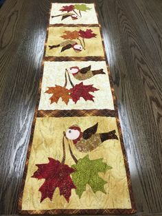 Autumn/fall quilted appliqué table runner with cute little birds carrying leaves. Kit at Shabby Fabrics. Thanksgiving Table Runner, Table Runner And Placemats, Table Runner Pattern, Quilted Table Runners, Fall Table, Pineapple Quilt, Fall Quilts, Tree Quilt, Mug Rugs