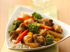 Chicken stir-fry made with vegetables - perfect for an Asian cuisine that is ready in 30 minutes.
