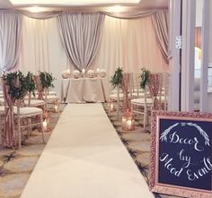 The Merchant hotel weddings. Wedding ceremony decor in the Jonathan Aiken room. Champagne and rose gold sequins. Wedding Party Games, Wedding Reception Signs, Wedding Ceremony Programs, Wedding Ceremony Decorations, Hotel Wedding, Wedding Table, Wedding 2017, Trendy Wedding, Diy Wedding