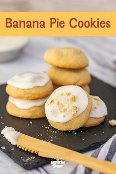 Banana Pie CookiesNo monkeying around these delicious are loaded with flavor Plus they are super soft with the addition of banana to the dough This is perfect for a or s. Banana Dessert Recipes, Great Desserts, Brownie Recipes, Cookie Recipes, Bar Recipes, Banana Pudding Cookies, Banana Pie, Cookie Pie, Cookie Bars